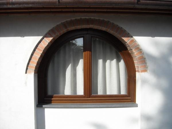 Infissi in legno finestre by lineal due viareggio - Cucine con arco ...